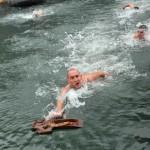 Митровић први победник пливања за крст