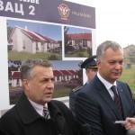 Министар уручио кључеве од станова и најавио изградњу монтажних кућа
