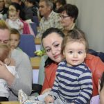 Град Ваљево доделио 85 ауто-седишта за бебе