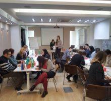 """У Ваљеву одржани семинари """"Школа животних вештина"""" и """"Интерни мониторинг и евалуација услуга у систему социјалне заштите"""""""