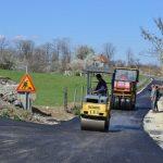 Асфалтирана деоница пута дуга 1,5 километар у Доњим Лесковицама