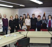 Потписивање уговора у оквиру Подстицајних средстава за запошљавање младих мајки из сеоских и приградских средина